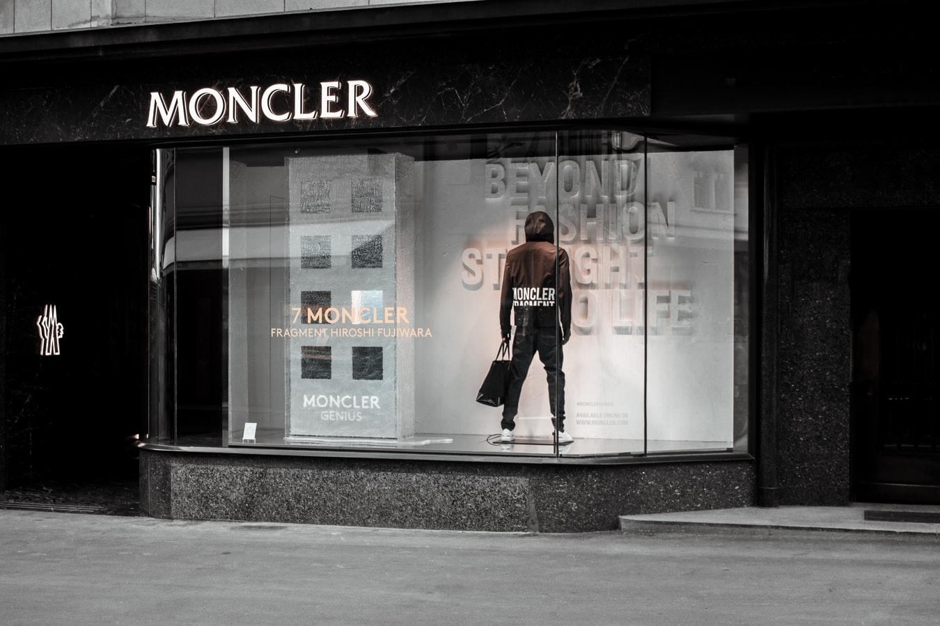 valore azione moncler