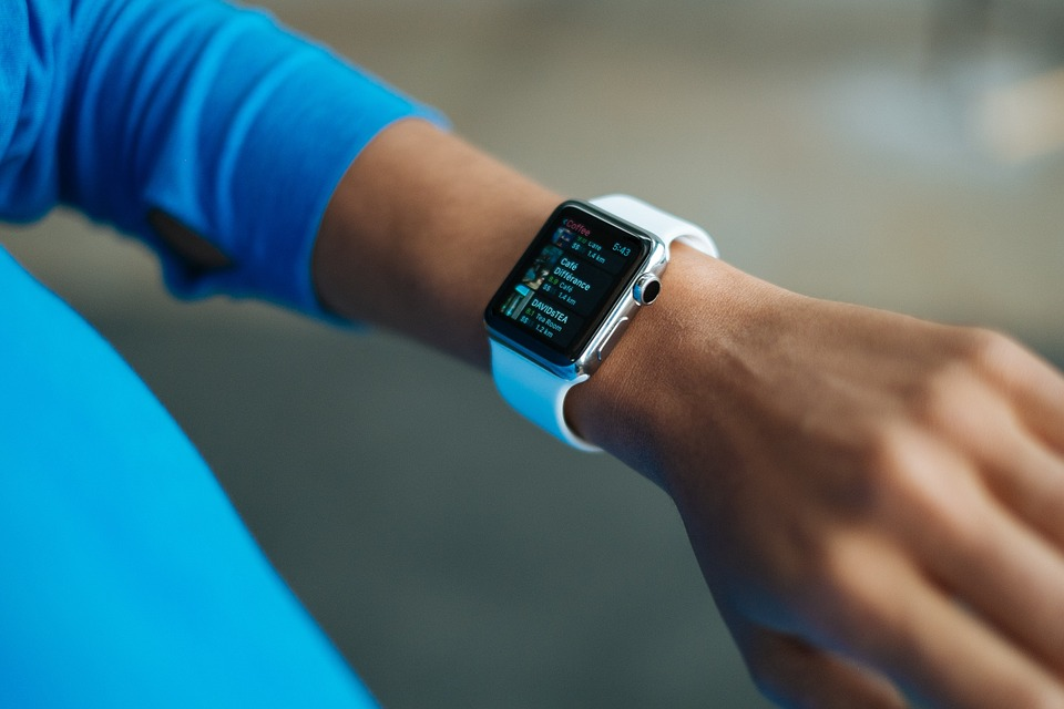 , BNL e BPER : da oggi pagamenti con iPhone e Apple Watch, BorsaMagazine.it, BorsaMagazine.it